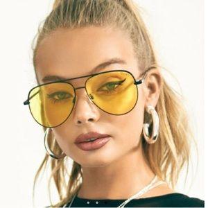 ✨NIB✨ Quay Sahara Aviator Sunglasses